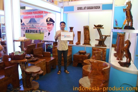Akar jaya waste wood craft madiun east java directory for Waste product craft