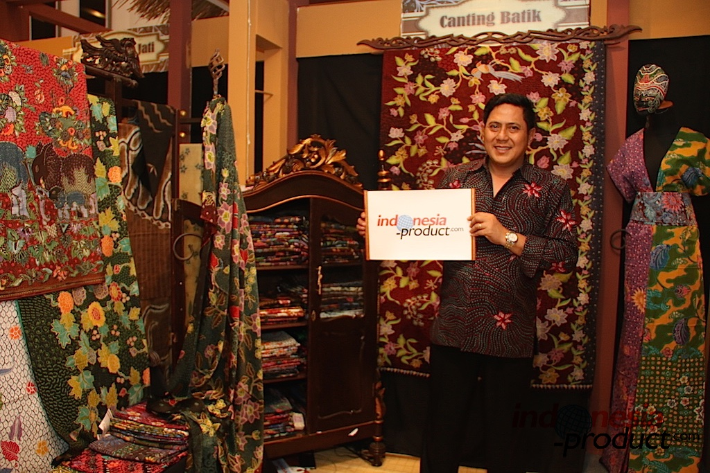 Batik Tulis products with East Java signature motifs