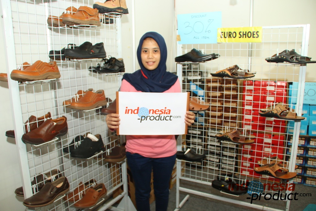 shoes handmade made from selected leather material has presented
