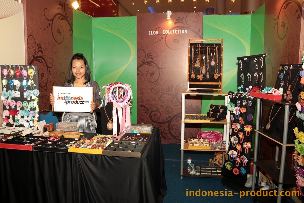 Find wide choices of women accessories in Elok Collection