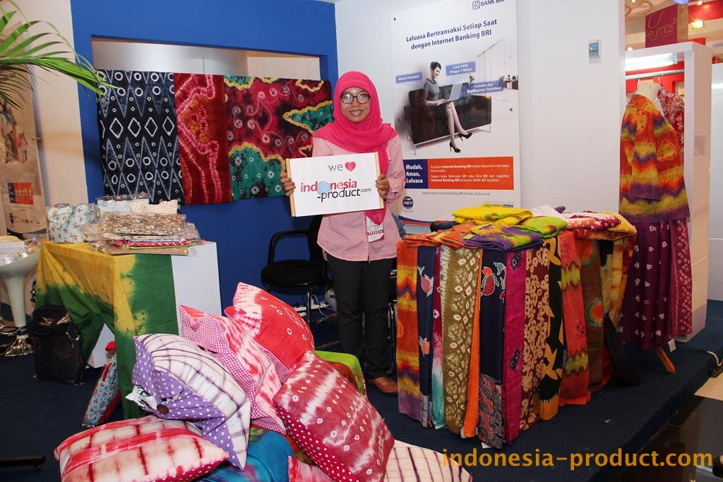 This workshop offers you many motifs of Batik Jumputan with many colors combination