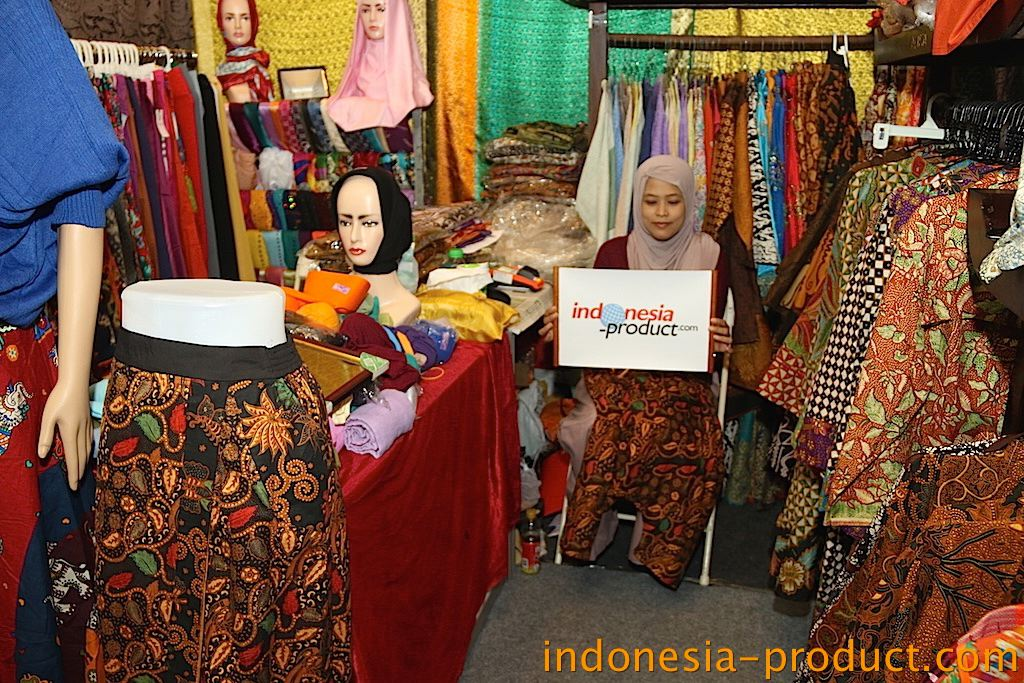 All the products here are handmade Batik with variety motifs and colors with color batik cloth both sides are equal and more shine