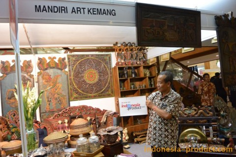 Rakuji House has production houses and shops in the area of ​​Kemang in South Jakarta, and had existed for more than 10 years.