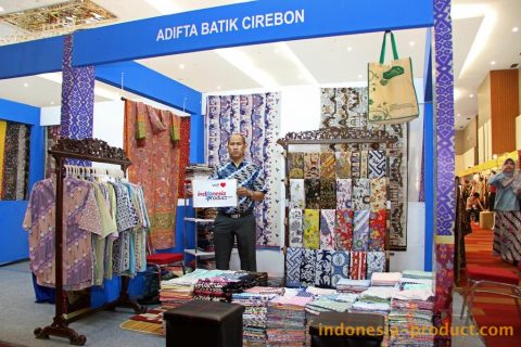 This batik workshop produces many handwriting batik fabric and cloth with variety beautiful and flashy motifs and colors.