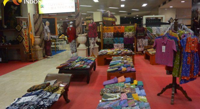 Etalase Batik Nusantara di Gedung Smesco Tergolong Sangat Lengkap