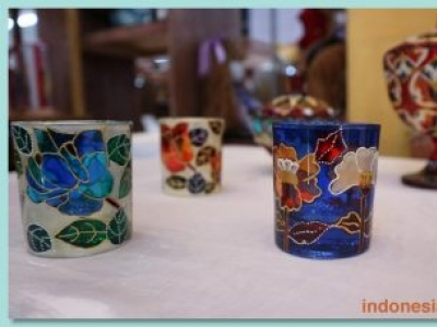 Glasspainting For Home Decoration And Souvenirs