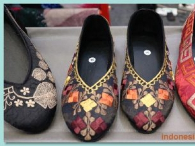Unique And Beautiful Handmade Embroidery Shoes