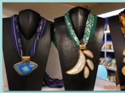Ethnic Necklace That Can Bring Elegant Impression