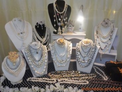 Various Models of Pearl Necklaces And How to Care