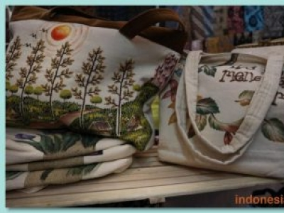 Special Painting Bag Made From Canvas Material